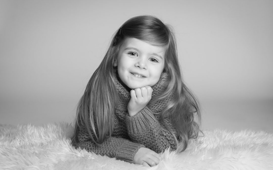 Some of my favourite poses during mini photo shoots for children